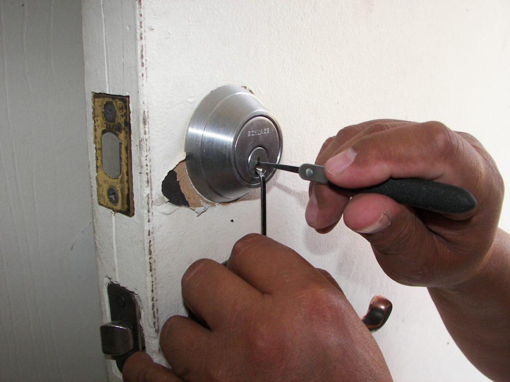 locksmith 1947387 1920